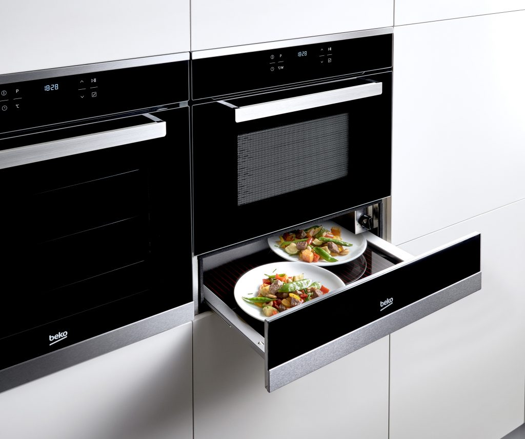 Beko-2015-Oven-Warming-Drawer-Feature-Photo-Without-Cast-Landscape-Low-3-Master-1024x856